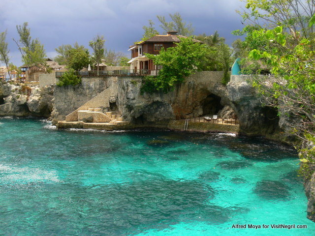 Negril Cliff Resorts in Jamaica